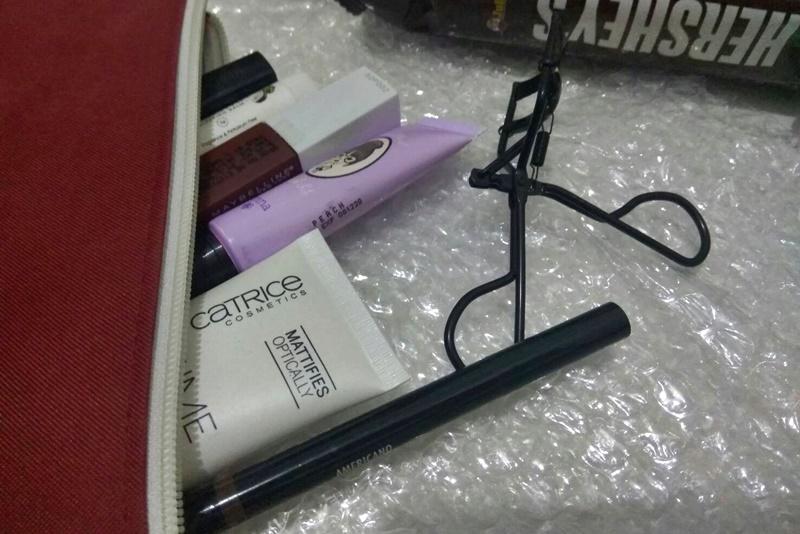 makeup untuk travelling