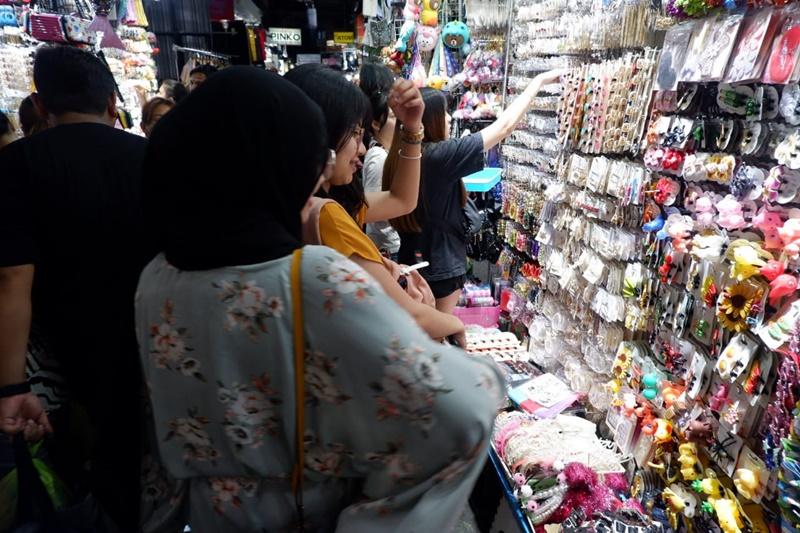 baju murah di pratunam night market bangkok